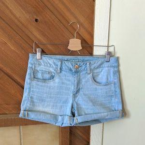 AMERICAN EAGLE Light Wash Midi Shorts Size 8